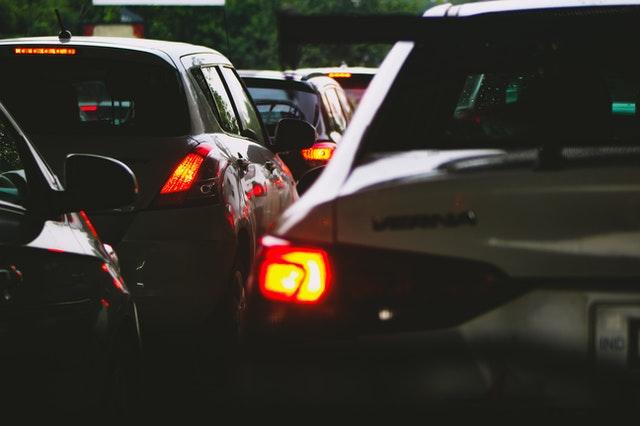 Jakie przepisy regulują jazdę na suwak?
